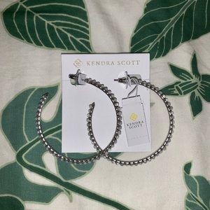 NWT Kendra Scott Birdie Hoop Earrings in Silver